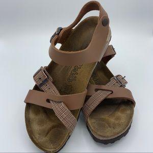 BIRKIS Birkenstock Lillie Sandals Tan size 6